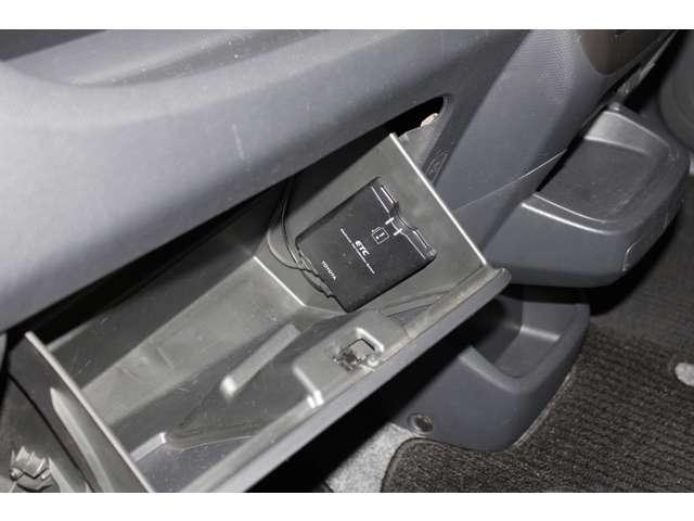 ディーラーの車が高いというイメージをお持ちのお客様、必見ですよ!ディーラーは諸費用が明確で安いので、是非、総額で検討して下さい!