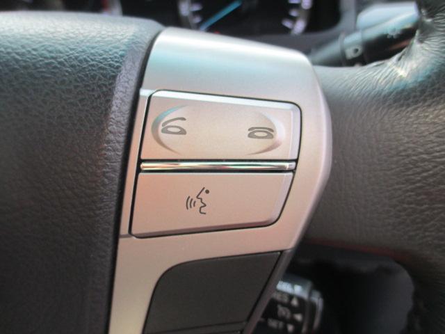 ハンドル操作でオーディオ等がコントロール出来ますので、利便性だけでなく事故防止にも繋がります。