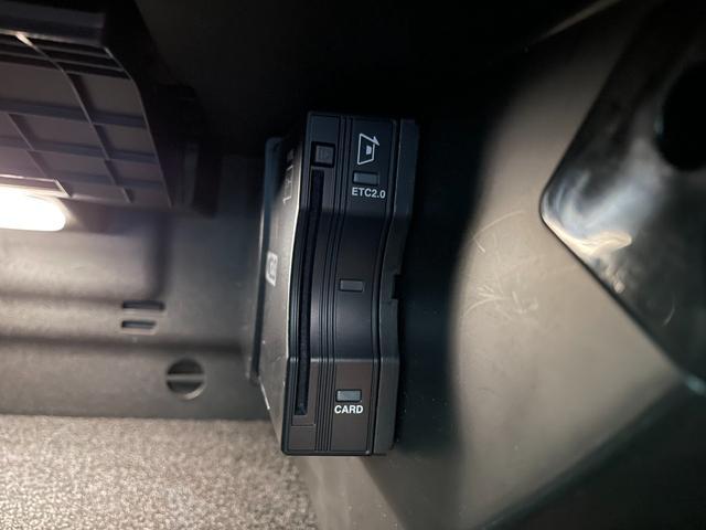 A180 スタイル AMGライン レーダーセーフティPKG 純正ナビ バックモニター MBUX レッドステッチハーフレザーシート シートヒーター メモリー付パワーシート LEDヘッドライト 純正18AW パドルシフト 外品ドライブレコーダー Goo鑑定車(12枚目)