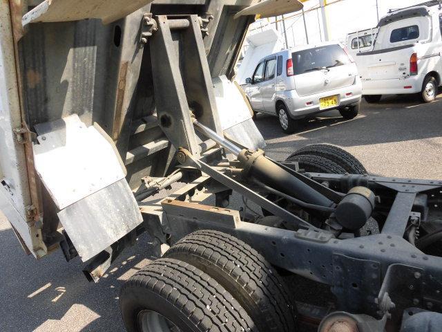いすゞ エルフトラック 強化フルフラットローダンプ3トン積み6速 4ナンバー