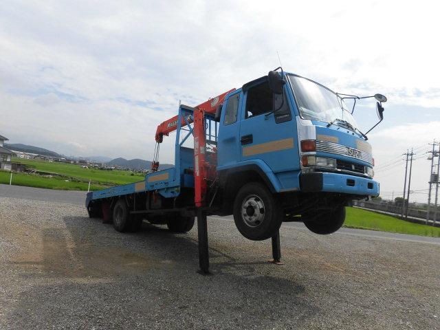 ベースグレード ハイジャッキ3段クレ-ン 前田製 リモコン付き 2.9t吊り フル装備 バックカメラ 最大積載量 2250kg  ベッド付き 6速(2枚目)
