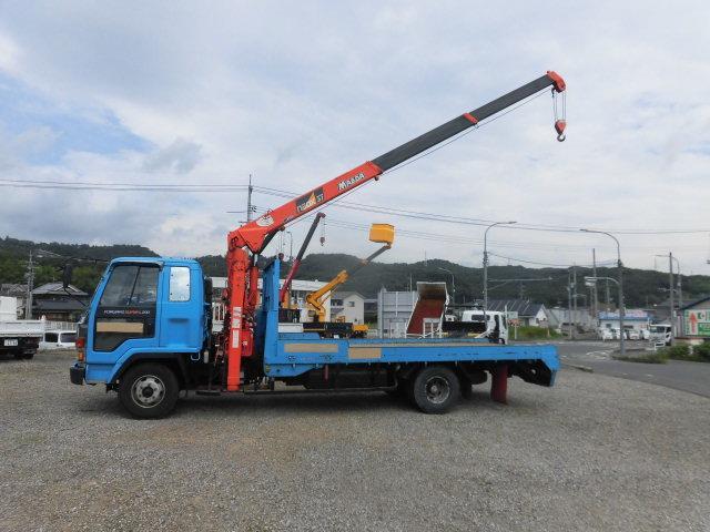 ベースグレード ハイジャッキ3段クレ-ン 前田製 リモコン付き 2.9t吊り フル装備 バックカメラ 最大積載量 2250kg  ベッド付き 6速(5枚目)