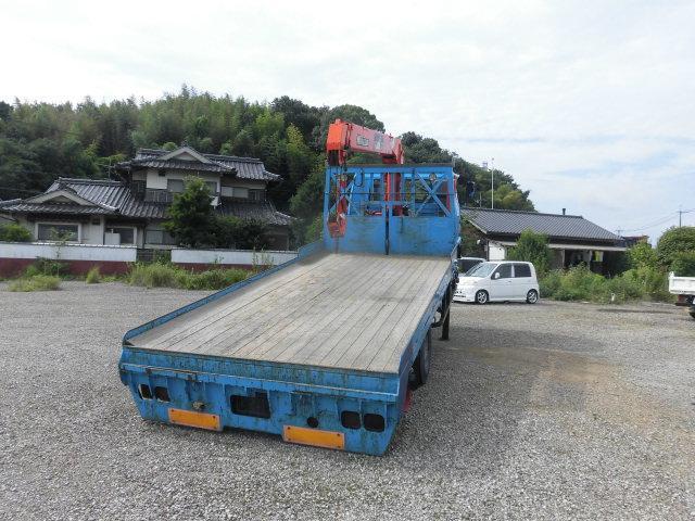 ベースグレード ハイジャッキ3段クレ-ン 前田製 リモコン付き 2.9t吊り フル装備 バックカメラ 最大積載量 2250kg  ベッド付き 6速(9枚目)