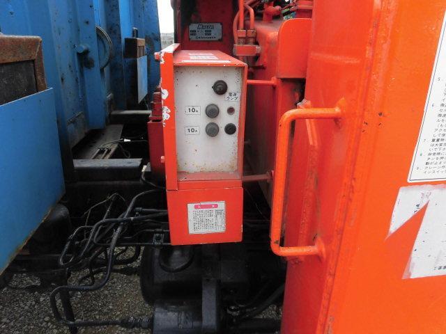 ベースグレード ハイジャッキ3段クレ-ン 前田製 リモコン付き 2.9t吊り フル装備 バックカメラ 最大積載量 2250kg  ベッド付き 6速(13枚目)