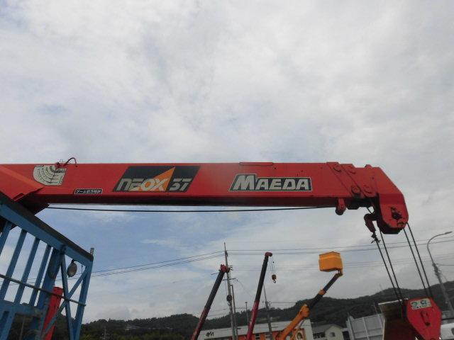 ベースグレード ハイジャッキ3段クレ-ン 前田製 リモコン付き 2.9t吊り フル装備 バックカメラ 最大積載量 2250kg  ベッド付き 6速(15枚目)