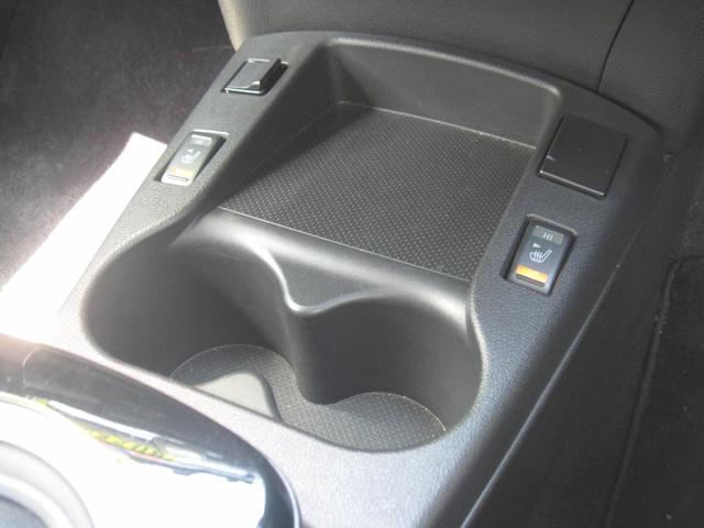 運転席・助手席ののシートヒーター機能付いてます