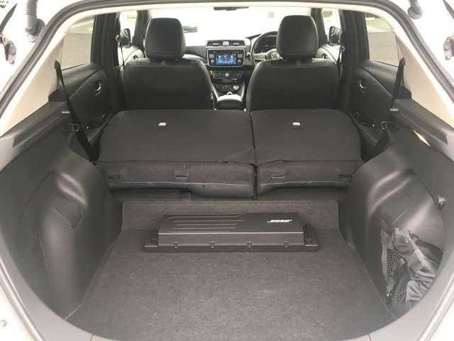 ◆ラゲッジルーム◆後席シートを倒すと、大きな荷物を載せれるラゲッジルームになります!