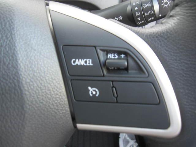 ◆運転席まわり◆背が高くてガラスエリアが広いので前方の信号もよく見えます!視点が高いので前方視界がとっても広々としています!