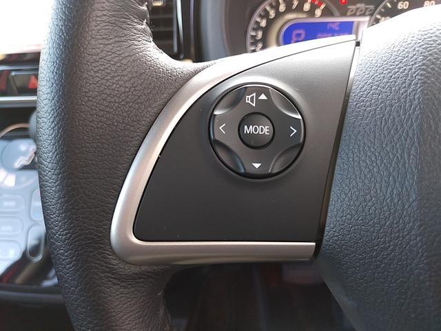 ◆助手席シートアンダーボックス/スライド式◆運転用の替え靴や、車内に常備したいこども用品、着替えた服などを収納できます!前後スライド式、後席からでも便利に出し入れ!
