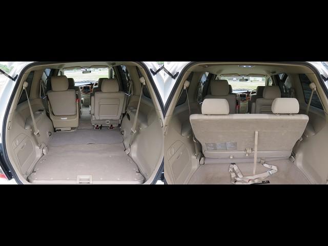 サードシートはこの写真のように使わないときには収納できます。次に内装の説明をします。シートはクリーニングしましたが、少しシミがある部分があります。何度かクリーニングやってみようと思います。全体的には