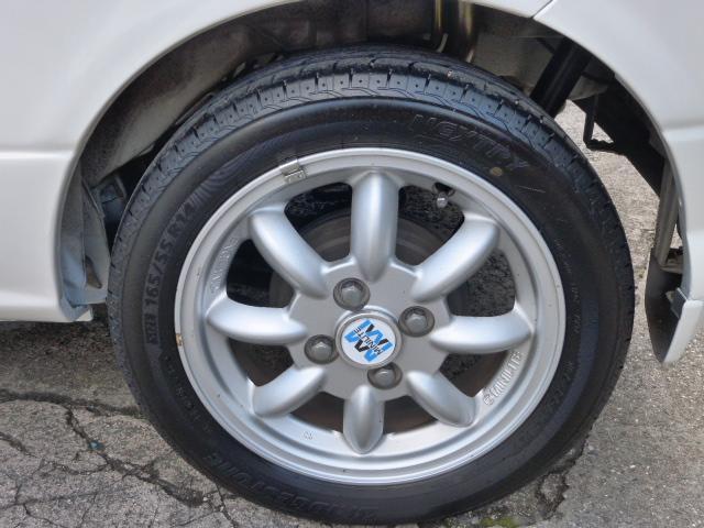 純正MINILITE14インチアルミ。ガリキズ無くキレイです。タイヤ4本ともに6〜7分山有り!