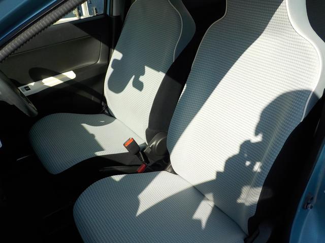 車内フロント部。とてもきれいな状態です☆