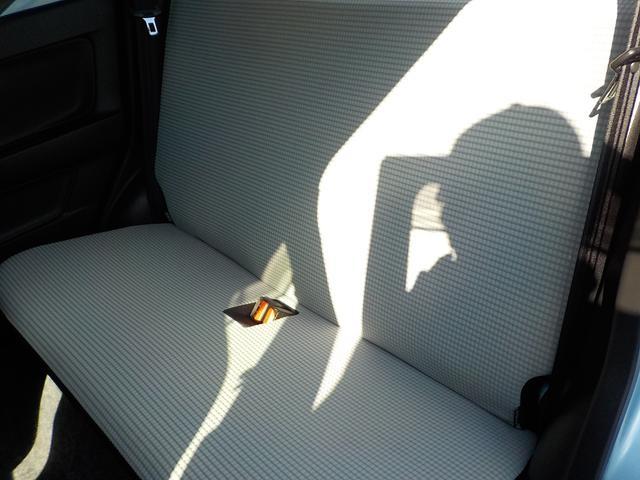 車内リア部。とてもきれいな状態です☆