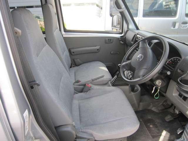 日産 NV100クリッパーバン DX 4WD オートマ エアコン パワステ
