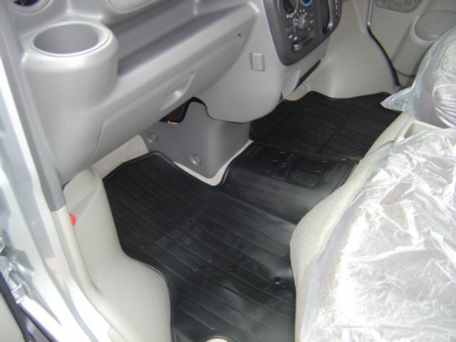 日産 NV100クリッパーバン GX 4WD 4AT エマージェンシーブレーキ 未使用車