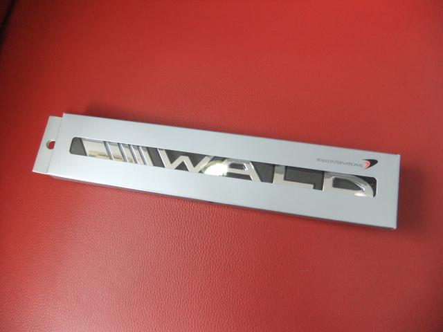 トヨタ プリウス Sツーリングセレクション前期 WALD COMPLETE