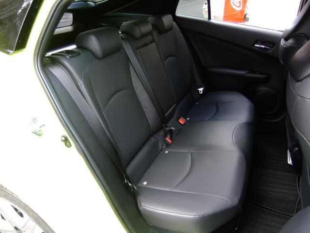 トヨタ プリウス Aプレミアム 黒革SR デモカーエアサス18AWアーム類交換