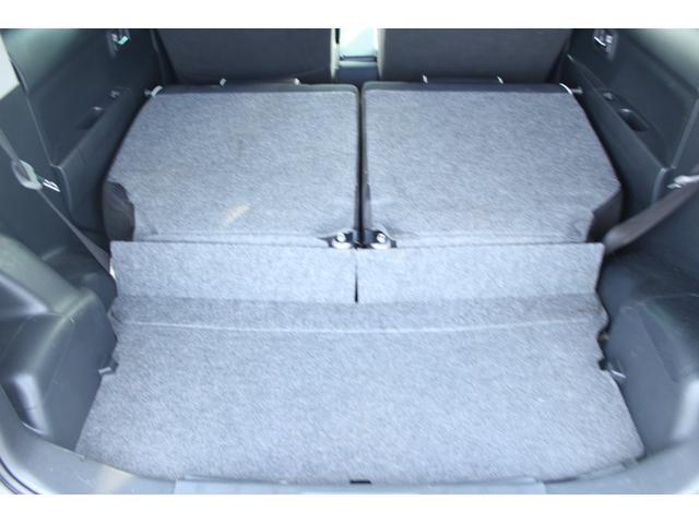 シートアレンジで大きな荷物を積むことだって可能ですよ!!車内広々!!