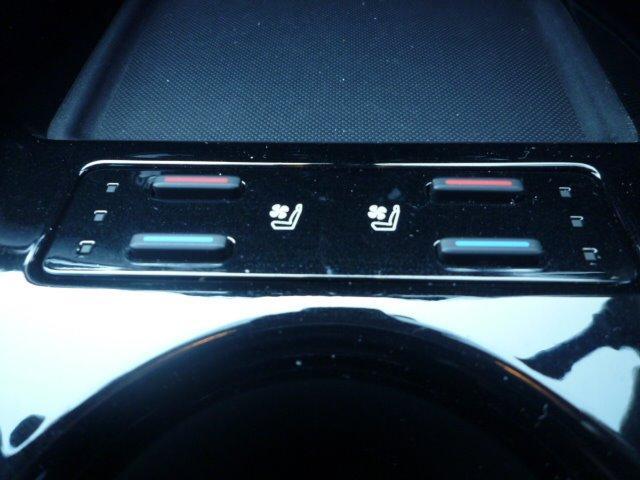 Aプレミアム サンルーフ 黒革エアーシート 純正9型SDナビ Y68T 新品モデリスタ アイコニックスタイル装着 後期用 17インチアルミ 新品タイヤ バックモニター HUD ブラインドスポットモニター デイライト(26枚目)