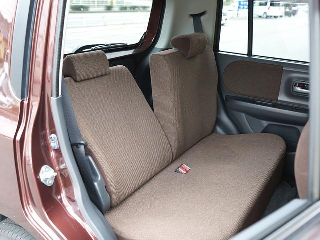 リアシートはリクライニングもご覧の通り!後ろでゆったりと座れるので楽々ドライブ♪