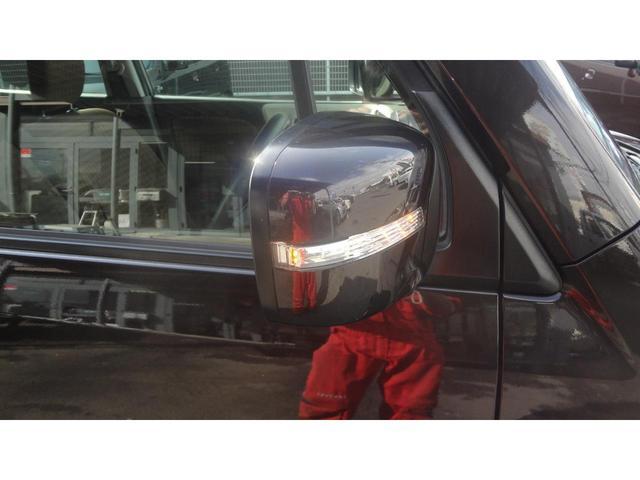 助手席シートアンダーボックス搭載☆運転席からすぐに手が届く位置にあるので大変便利です♪容量も結構あるのでいろんな使い方ができそうです!