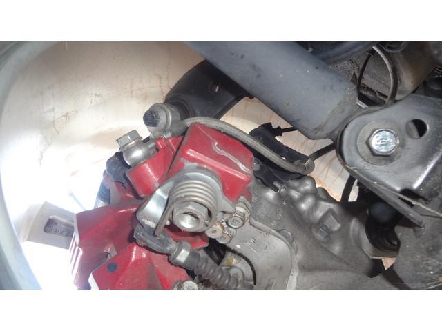 APPステンメッシュホース☆クラッチ・ブレーキともにステンメッシュホースに交換されてあります!ホース内にかかる油圧での膨張ロスを減らしてより感度の良いダイレクト感のあるブレーキングが可能です♪