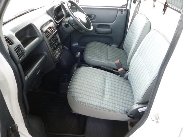 SDX エアコン・パワステ・運転席エアバッグ・ABS・荷台マット・荷台作業灯・ガードパイプ付トリイ・三方開・ドアバイザー・ラバーマット(5枚目)