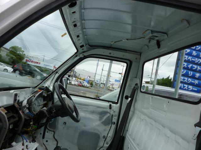 SDX エアコン・パワステ・運転席エアバッグ・ABS・荷台マット・荷台作業灯・ガードパイプ付トリイ・三方開・ドアバイザー・ラバーマット(9枚目)
