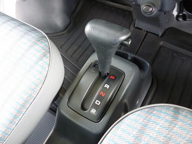 SDX エアコン・パワステ・運転席エアバッグ・ABS・荷台マット・荷台作業灯・ガードパイプ付トリイ・三方開・ドアバイザー・ラバーマット(12枚目)