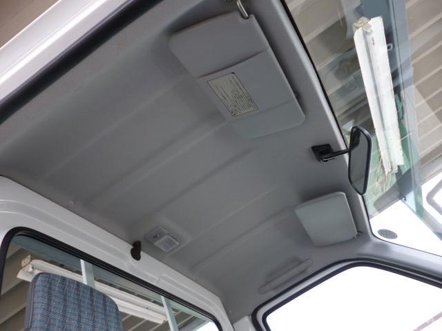 SDX エアコン・パワステ・運転席エアバッグ・ABS・荷台マット・荷台作業灯・ガードパイプ付トリイ・三方開・ドアバイザー・ラバーマット(27枚目)