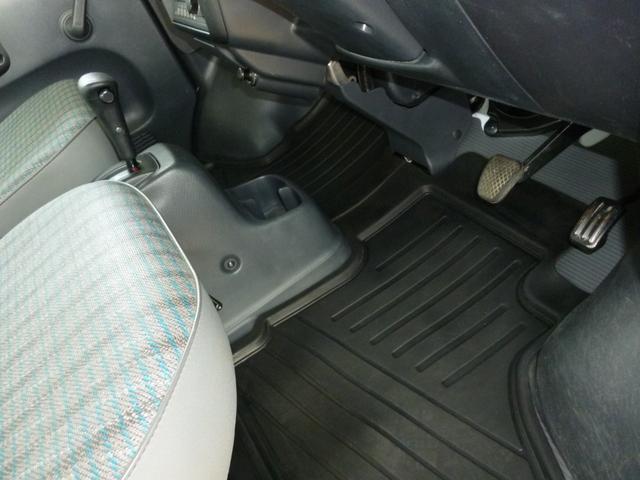 SDX エアコン・パワステ・運転席エアバッグ・ABS・荷台マット・荷台作業灯・ガードパイプ付トリイ・三方開・ドアバイザー・ラバーマット(28枚目)