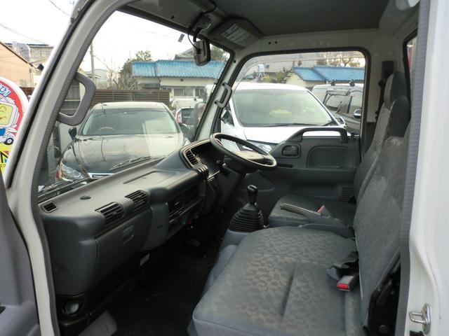 当店ではお客様の中古車購入の不安を解消するために納車前には全車しっかり整備をしてお渡ししております。