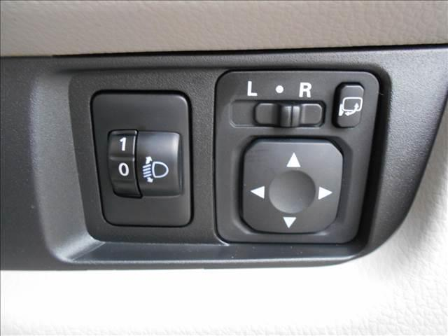 E 届出済未使用車 Wエアバック 電格ドアミラー 横滑り防止(17枚目)