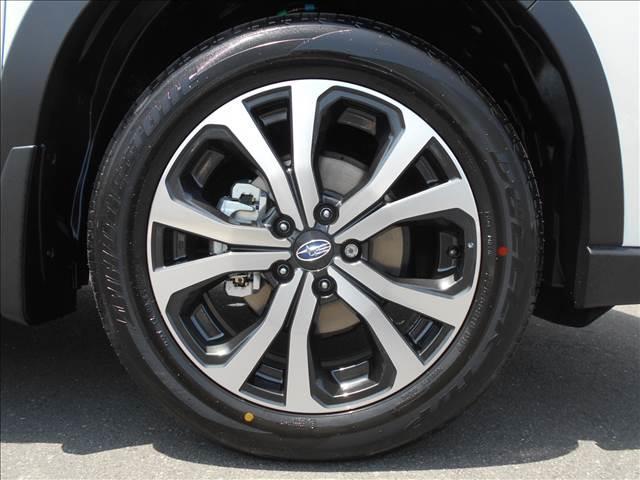プレミアム 4WD 登録済み未使用車 アイサイトセイフティ+(9枚目)