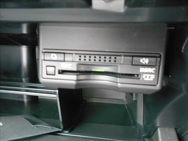 CT200h バージョンC 純正SDナビ 新品タイヤ交換(16枚目)