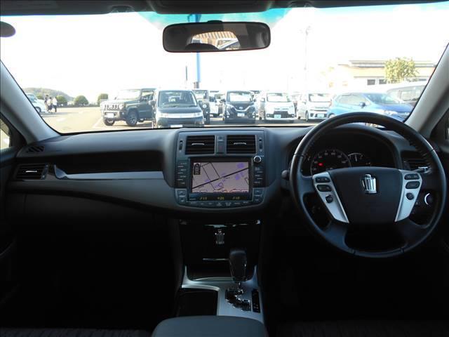 【鑑定付車両】さらに展示前には自社チェックだけでなく全車グー鑑定(日本自動車鑑定協会)の二重チェックを実施し、外装、内装の状態、整備状態、事故歴(修復歴)等、全て公開しています。