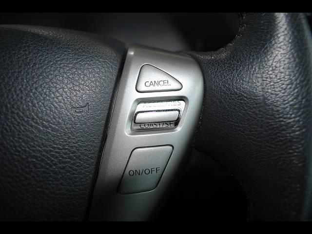 【クルーズコントロール】アクセルペダルを踏まずに安定速度で走行してくれますので、高速道路など長距離運転が快適です♪