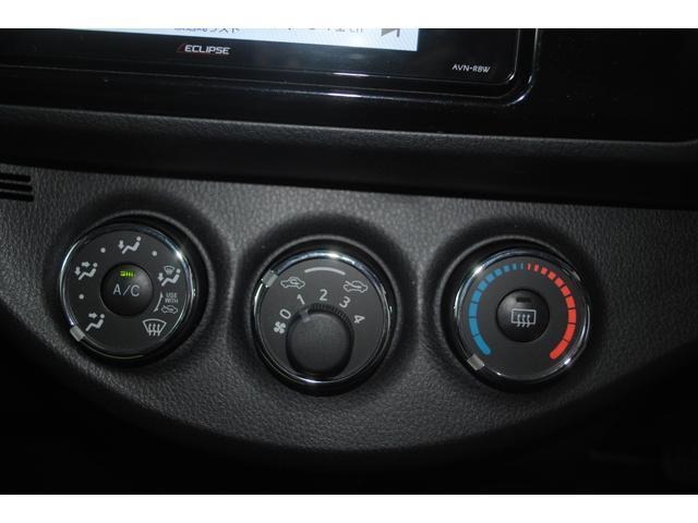 マニュアルエアコン装備で温度調整もラクラクです!