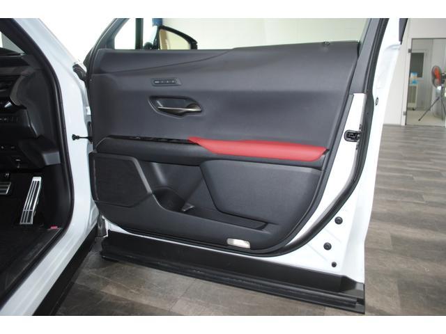 「レクサス」「UX」「SUV・クロカン」「岡山県」の中古車43
