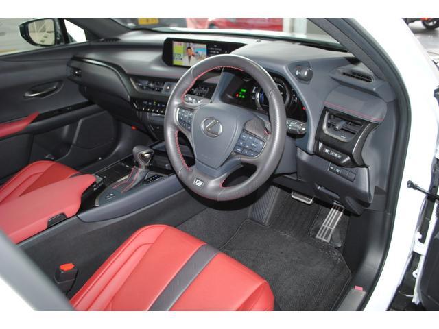 「レクサス」「UX」「SUV・クロカン」「岡山県」の中古車46