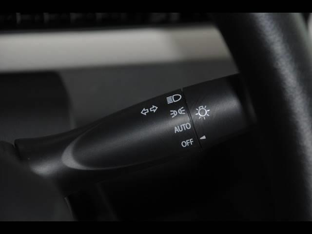ハイブリッドFX 純正CD デュアルセンサーブレーキサポート レーンキープ ヘッドアップディスプレイ 運転席シートヒーター アイドリングストップ オートエアコン プッシュスタート スマートキー(12枚目)