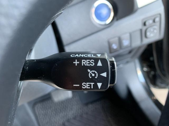 ハイブリッドGパッケージ ワンオーナー 純正SDナビ フルセグ 走行中OK DVD SD録音 バックモニター ビルトインETC レザー調シート シートヒーター トヨタセーフティセンス クルコン LEDオートライト(12枚目)
