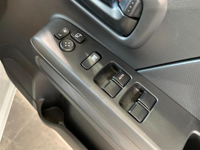 ハイブリッドFX 純正CD・デュアルセンサーブレーキサポート・レーンキープ・プッシュスタート・スマートキー・後退時ブレーキサポート・運転席シートヒーター・オートエアコン・オートライト・電格ミラー・アイドリングストップ(13枚目)