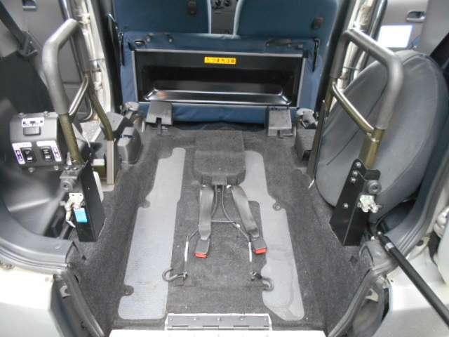 スローパー 福祉車両 車椅子移動車(4枚目)