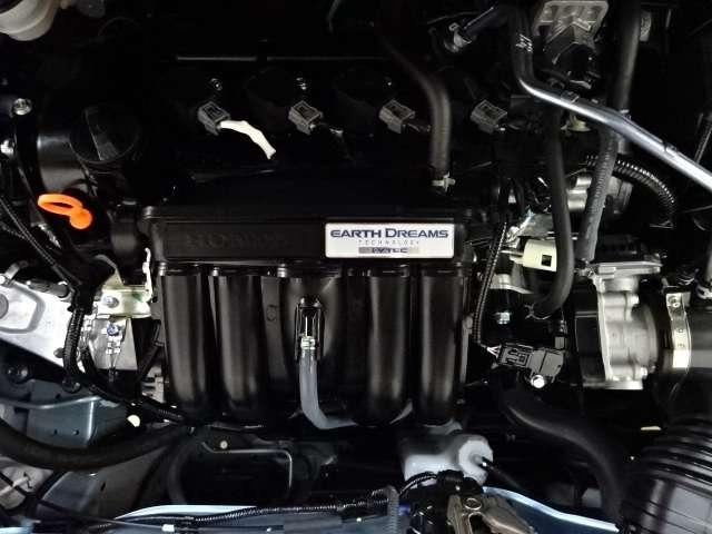 ホーム 当社デモカー ナビ リヤカメラ LED Bカメラ クルコン スマートキー フルセグ ワンオーナー LEDヘッドライト 衝突被害軽減(19枚目)