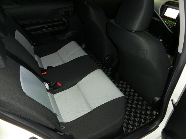 トヨタ アクア S トミーカイラエアロマフラーWORK18AW車高調 HID