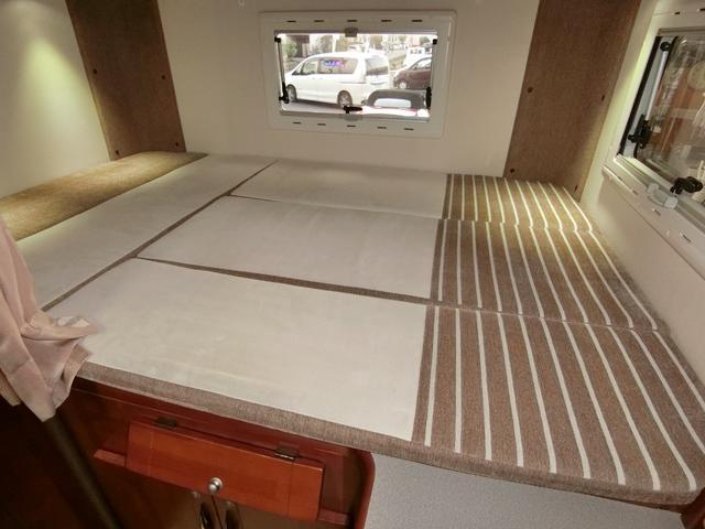 キャンピング ベッド テーブル シンク ナビフルセグBカメラ(10枚目)