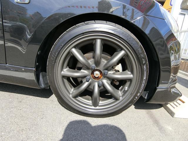 ワタナベ15インチAWです!このお車によく似合っていますね!タイヤは4分山くらいです。センスが抜群に良いです!