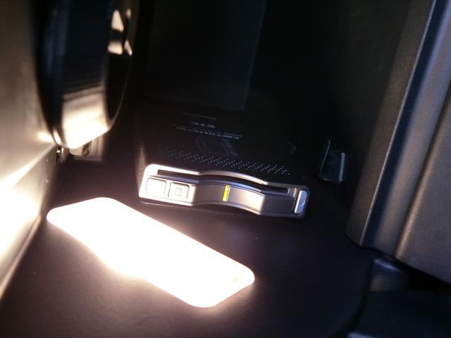 ベースグレード 1オーナー ディーラー車 6MTターボ 左ハンドル 純正19AW ラルグス車高調 外品マフラー HID 黒革 PWシート シートH ナビフルセグ バックカメラ DVD再生 キーレス ETC 記録簿有(25枚目)