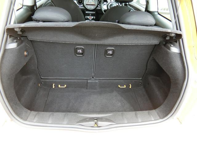 ワン ディーラー車 右ハンドル 純正15AW HID キーレス プッシュスタート CD再生 ETC フル装備 ABS タイミングチェーン式(9枚目)